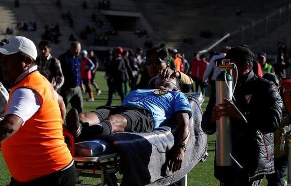 مرگ دلخراش داور وسط مسابقه فوتبال! + عکس