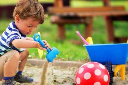 تدارک بیش از ده عنوان برنامه ویژه هفته ملی کودک در منطقه 19