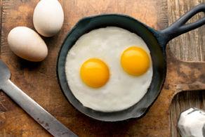 با اضافه کردن این ادویه به تخم مرغ بیماری ها را نابود کنید