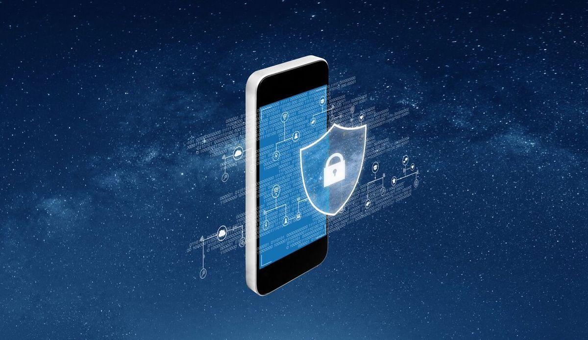 این 10 برنامه امنیت تلفن همراه شما را تهدید میکند