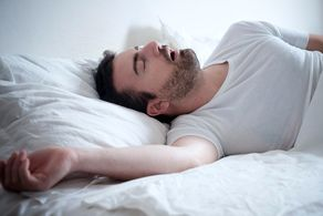 افرادی که کم خوابی دارند به آلزایمر مبتلا می شوند!