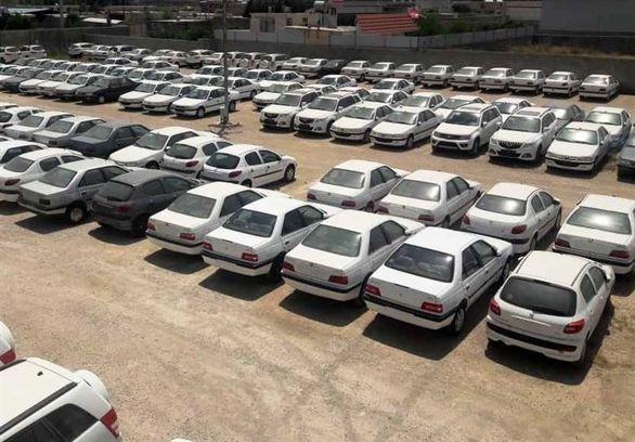 ظرفیت انبار خودروسازان تکمیل شد / چرا از فروش خبر نسیت؟