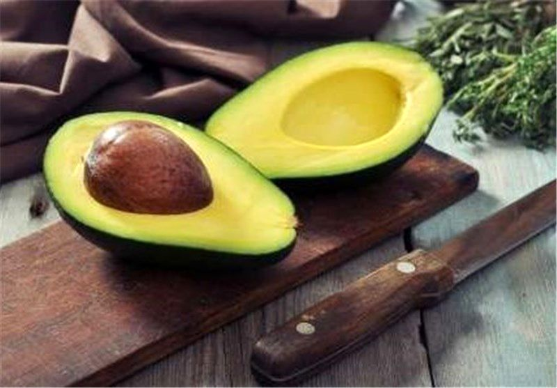 چرا هرکسی که وزن کم می کند باید این میوه بخورد!