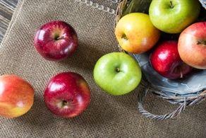 """هشدار درباره خوردن """"سیب"""" را جدی بگیرید"""