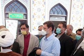 قاضیزاده هاشمی در حرم رضوی رای خود را به صندوق انداخت