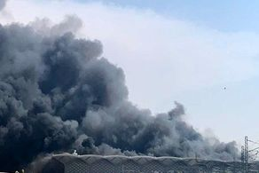 آتش سوزی گسترده در اطراف یک مرکز دفاعی در حومه حیفا