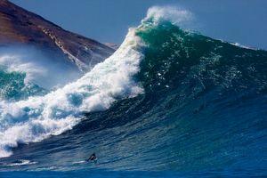 افزایش ارتفاع موج در خلیج فارس و دریای خزر