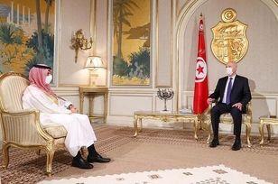 چرا وزیر سعودی در این شرایط بحرانی به سفر رفت؟