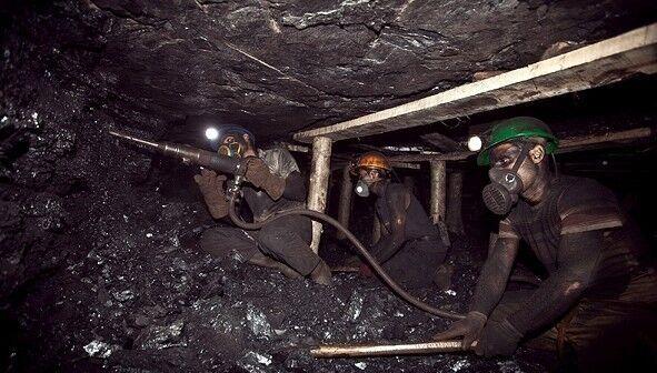 ریزش هولناک معدن زغالسنگ راور/ شمار جان باختگان اعلام شد