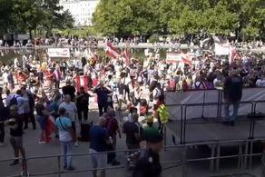 مردم اتریش به خیابانها ریختند!