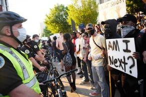 مجازات شرکت در اعتراضات شدت می یابد!