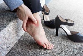 چرا کف پا ملتهب میشود؟