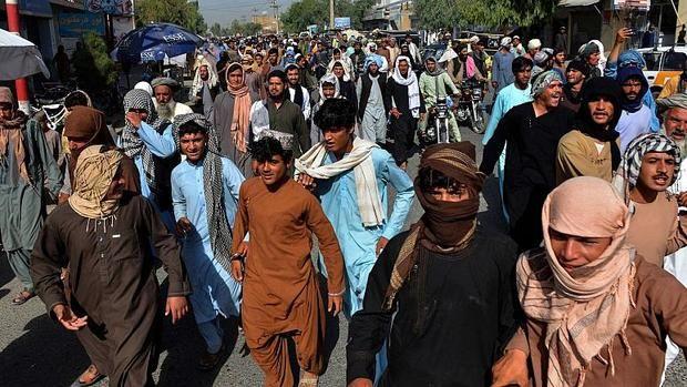 رهبران طالبان به جان هم افتادند/ مردم افغانستان به خیابانها ریختند