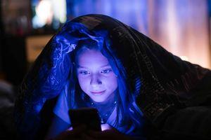 بیچاره شدن مادر بعد بازی اینترنتی کودک!