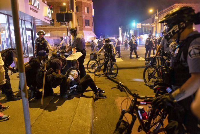 آمریکا بازهم نا آرام شد/معترضان به خیابانها ریختند